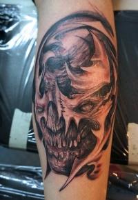 Skull tattoo interpretation by graynd